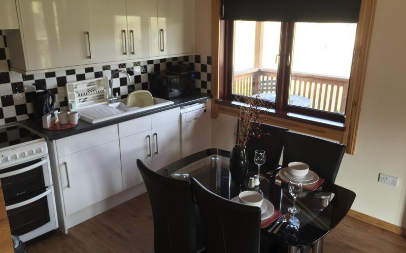 The Heron Lodge - Kitchen